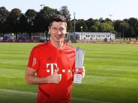 3场6球,莱万当选德甲8月最佳球员
