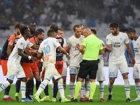 裁判连出三张红牌平息,马赛vs蒙彼利埃爆发大规模冲突