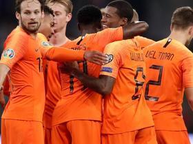 战胜白俄罗斯,荷兰在2014年世界杯后首次取得正式比赛四连胜