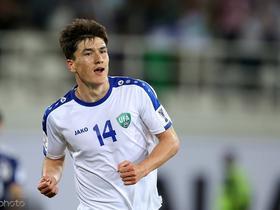 乌兹主力前锋肖穆罗多夫:30岁之前不会为了钱去中超踢球