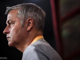热内西奥谈里昂换帅问题:球迷必须支持现任教练