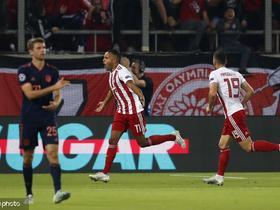 半场:奥林匹亚科斯1-1拜仁,阿拉比头球破门,莱万补射扳平