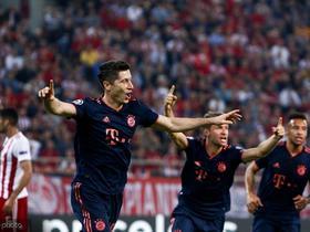 莱万:联赛失分后赢下欧冠很重要,我们在小组占据有利地位