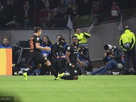 切尔西客场1-0阿贾克斯取各项赛事六连胜,巴舒亚伊替补绝杀